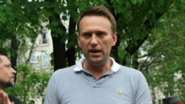 Aleksei Navalny speaks to opposition protesters in Moscow.