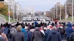 Belarus: zeci de mii de protestatari în pofida amenințării cu muniție de război