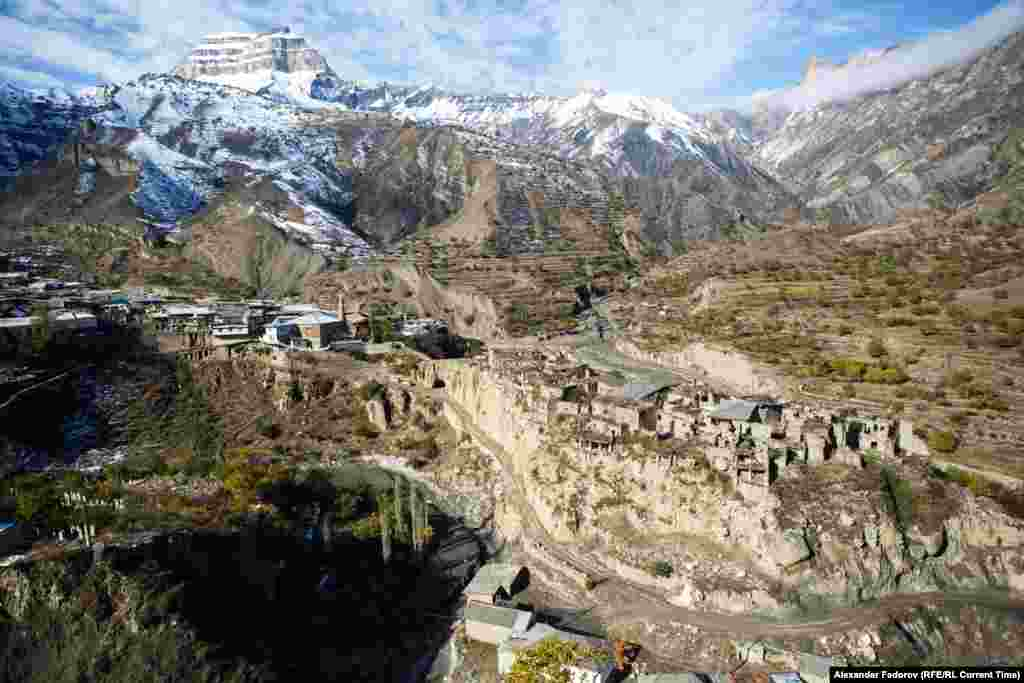 """Khyurdabakh means """"the village on the rock.""""It is not connected to utility systems. In the 1970s there were still people living in the village, but later they moved down to the valley."""