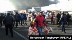 Казакстан -- Өрт чыккан базар, Алматы, 17-ноябрь, 2013.
