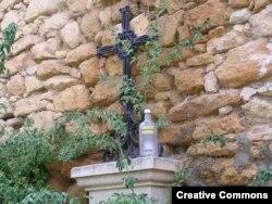 Следы туристических попоек можно встретить в Испании в самых неожиданных местах