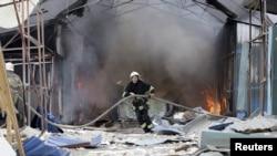 Донецкте снаряд тийген базар. 3-июнь, 2015-жыл.
