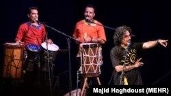 یکی از کنسرتهای گروه لیان در بوشهر در شهریور ماه ۹۴