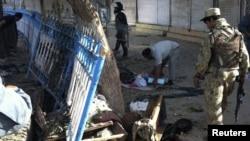 Zyrtarët e sigurisë zhvillojnë hetime në vendin e eksplodimit në Kunduz