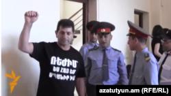 Վոլոդյա Ավետիսյանը դատարանի դահլիճում, արխիվ