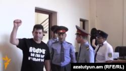 Володя Аветисян в зале суда, май 2014 г․