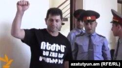 Վոլոդյա Ավետիսյանը դատարանի դահլիճում: Երևան, 26-ը մայիսի 2014 թ․