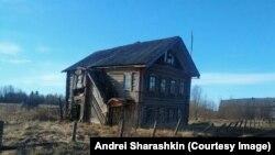 Napuštena kuća u regionu Arhangelsk.