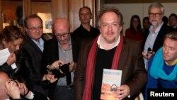 Mathias Enard əlində qalib romanla, 2015