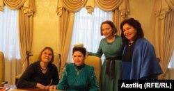 Нәзифә Кәримова (с), Кадрия Идрисова, Зәмзәмия Сәхәбетдинова, Фәридә Вахитова