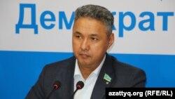 «Ақ жол» партиясының төрағасы Азат Перуашев.