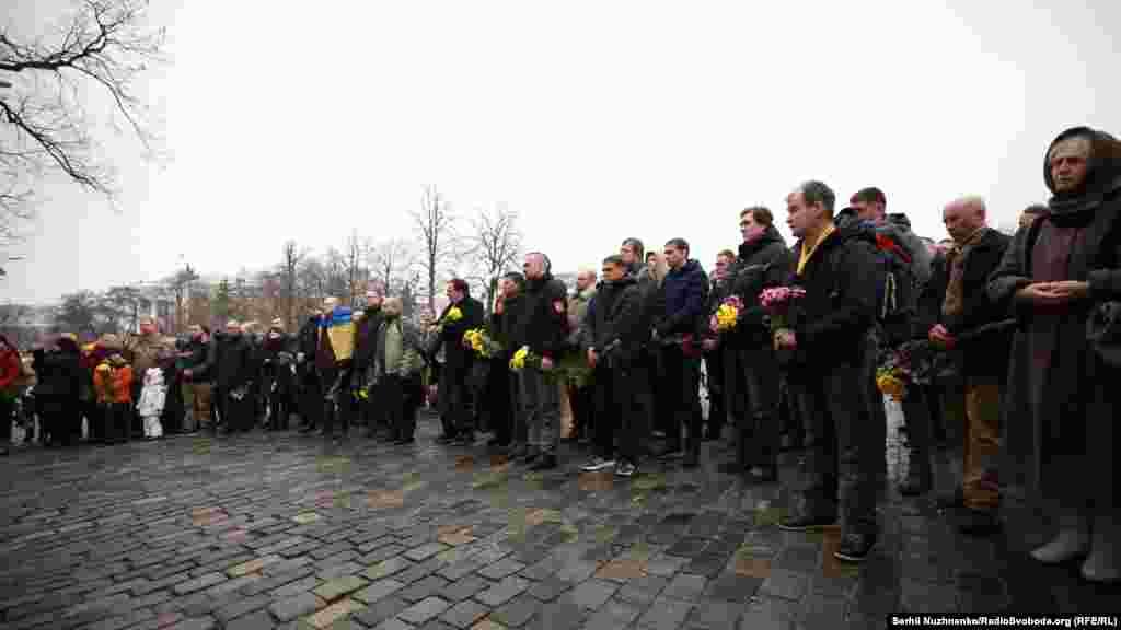 Они участвовали в массовых антиправительственных выступлениях в Киеве (Майдане), которые завершились бегством из страны президента Виктора Януковича и сменой власти.