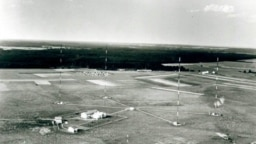Aerial view of the Holzkirchen transmitter site and antenna array, taken in 1950.