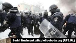 Полицейские в палаточном городке возле Верховной Рады, 3 марта 2018 года