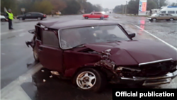 Фото крымского управления МЧС, поврежденное авто с места ДТП