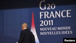جورج پاپاندرئو، نخستوزیر یونان، در نشست گروه ۲۰ در کَن فرانسه.