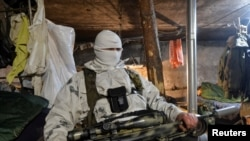 Ukrajinski vojnik na položaju blizu Avidijivke, 9. februar 2017