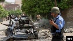 انفجارها در بغداد در حالی صورت می گيرد که ده ها هزار نفر از نيروهای مشترک آمريکايی و عراقی در تلاشند تا در بغداد به خشونت های بين فرقه ای پايان بخشند.