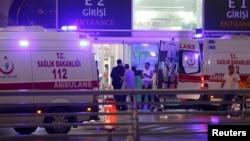 Машина скорой помощи в Стамбуле. Иллюстративное фото.
