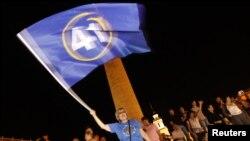 Оппозиция празднует результаты exit poll-а в Тбилиси, 1 октября 2012