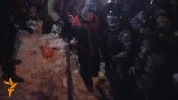Kiev: Policia speciale ndërhyn për largimin e barrikadave