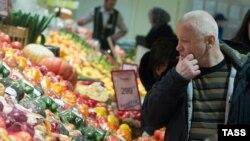 Эффект главного фактора нынешнего замедления годового роста цен в России уже через месяц-два сойдет на нет