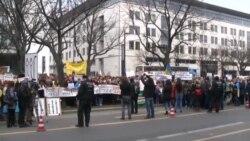 Митинг в Берлине против агрессии России на Украине