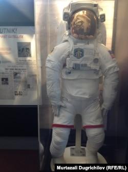 Скафандр, в котором Нил Армстронг ходил по Луне