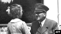 Германия соту 1924-жылдын бул күнү Адольф Гитлерди «Пиво путчу» үчүн сот жообуна тартып, 5 жылга эркинен ажыраткан.