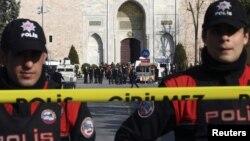 Pamje e pjesëtarëve të policisë së Turqisë