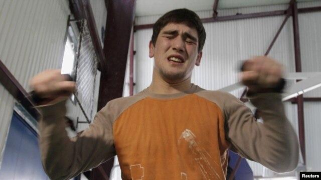 No pain, no gain -- if Georgian wrestler Vladimir Khinchagashvili wins gold at London 2012, he could also pocket a bonus of more than $1 million.