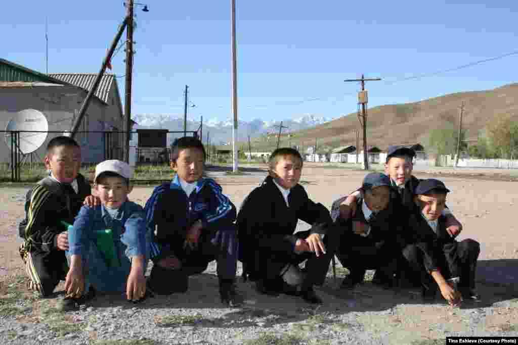Cуусамыр - Школьники. Фото Тины Эшиевой