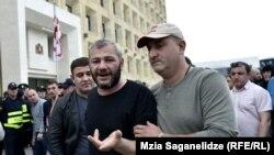 Заза Саралидзе после переговоров с премьер-министром заявил, что ждет конкретных шагов от следствия