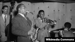 Charlie Parker, Tommy Potter, Miles Davis, Duke Jordan, Max Roach în 1947