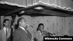 ჩარლი პარკერი, ტომ პოტერი, მაილს დევისი, დიუკ ჯორდანი,1947 წელი