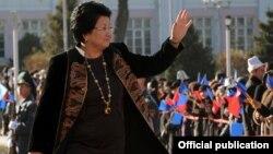 Роза Отунбаева на инаугурации президента Алмазбека Атамбаева. Бишкек, 1 декабря 2011 года.