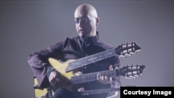 شهاب طلوعی خواننده مقیم جمهوری چک