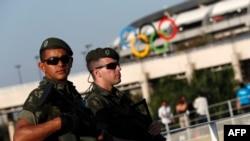 Pjesëtarë të policisë së Brazilit në sigurim të objekteve ku zhvillohen Lojërat Olimpike