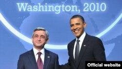 Președintele Barack Obama cu omologul său armean Serzh Sarkisian la Washington