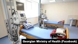 Для лечения инфицированных пациентов была оборудована и начала работу больница в селе Рухи близ города Зугдиди