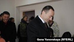 Дмитрий Тасоев воздержался от комментариев, пообещав «дать исчерпывающие ответы на все вопросы завтра после сессии парламента»