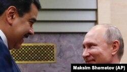 Николас Мадуро и президент России Владимир Путин на встрече в Москве, 8 декабря 2018 года