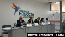Фтизиатрия борборунун директору Абдулаат Кадыров басма сөз жыйынында.