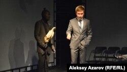 «Министр культуры» (Абилай Абдикадыр) и конь (Мирас Исаев).