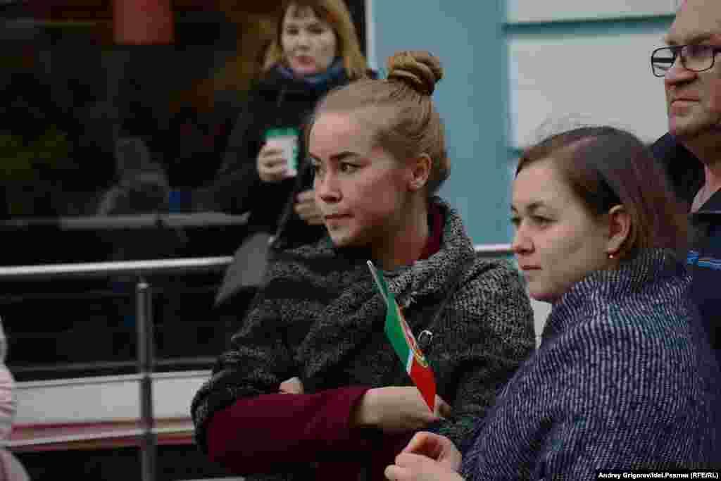 Татарстан - единственный регион, где региональные власти до последнего, с привлечением общественности, СМИ и даже экс-президента Минтимера Шаймиева, пытались выбить преференции в изучении государственного языка республики.