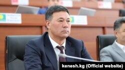 Депутат ЖК Азизбек Турсунбаев.