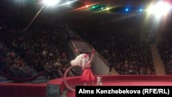 """Выступление артистов проекта """"Легендарная программа Юрия Никулина"""". Алматы, 19 апреля 2014 года."""