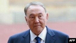 Президент Казахстана Нурсултан Назарбаев прибыл в Букингемский дворец. Лондон, 4 ноября 2015 года.