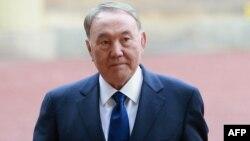 Қазақстан президенті Нұрсұлтан Назарбаевтың Букингем сарайына келген сәті. Лондон, 4 қараша 2015 жыл.