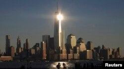 ԱՄՆ - Համաշխարհային առևտրի կենտրոնի նոր շենքը (կենտրոնում) Նյու Յորքում